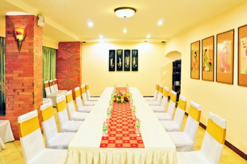 Rose Meeting Room